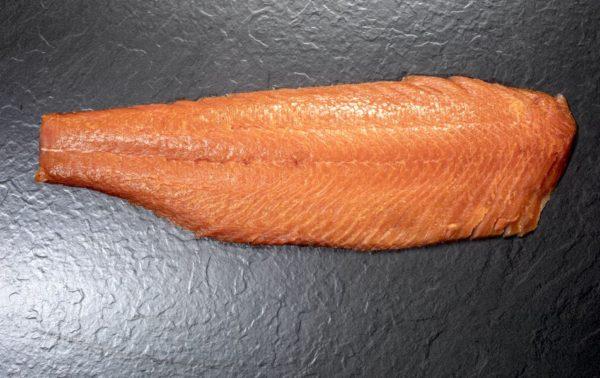 Norwegischer Lachs ganz